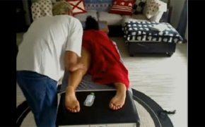 【マッサージ盗撮動画】タオルを片足ずつまくってからの・・・焦らした挙句に仰向けでダイレクトタッチ
