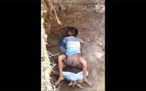 【カップル盗撮動画】色んな意味で「穴があったら入りたい」状態な2人