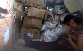 【カップル盗撮動画】ゴミ捨て場でイチャつきセックスするカップル