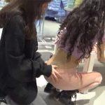【野外露出動画】営業中の洋服店内で3Pする迷惑な人達