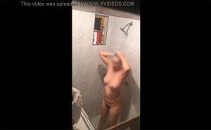 【民家盗撮動画】ぽっちゃり剛毛女性のシャワー