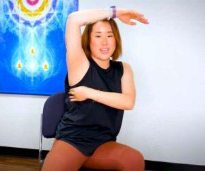 【セルフマッサージ解説動画】ゆで卵みたいなぽっちゃりモチ肌女子によるセルフリンパマッサージの説明