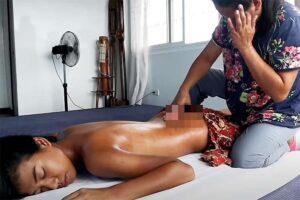 【フィリピンマッサージ動画】全裸でオイルマッサージを受ける若いフィリピン人女性