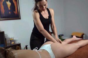 【マッサージ動画】アスリート系女子の引き締まったケツを揉む女性セラピスト