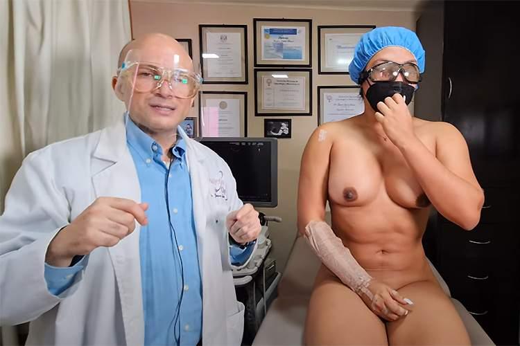 【医療動画】絶対臭い(笑)カメラの前で全裸になり、マンカスびっしりのマンコを医者に開かれる筋肉質な女性